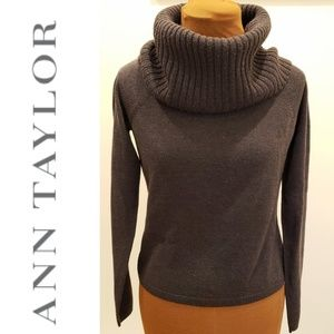 🚨🛍 BLOWOUT! Ann Taylor Cowl Neck Sweater
